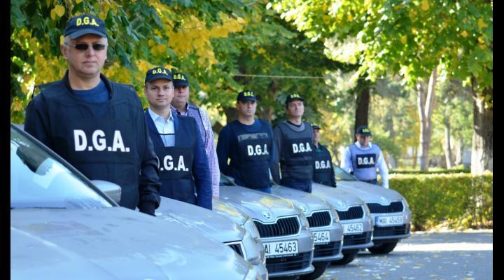 Prahova/ Persoană trimisă în judecată pentru trafic de influență. Spunea ca are cunostinte la ANAF