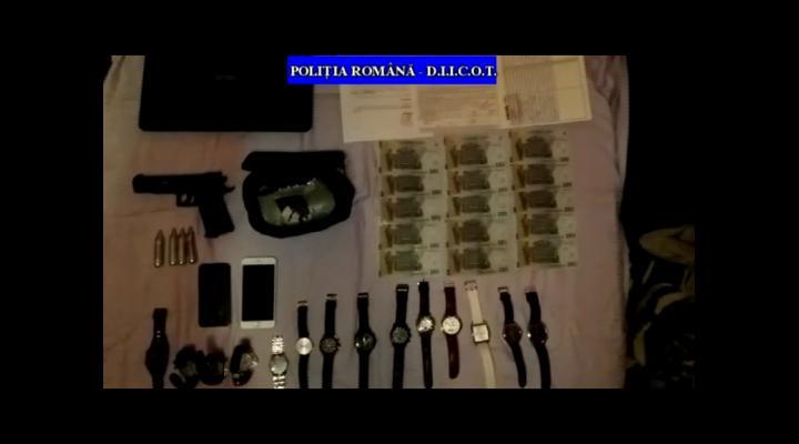 Percheziții la membrii unui grup infracţional specializat în trafic internaţional de persoane și proxenetism - VIDEO