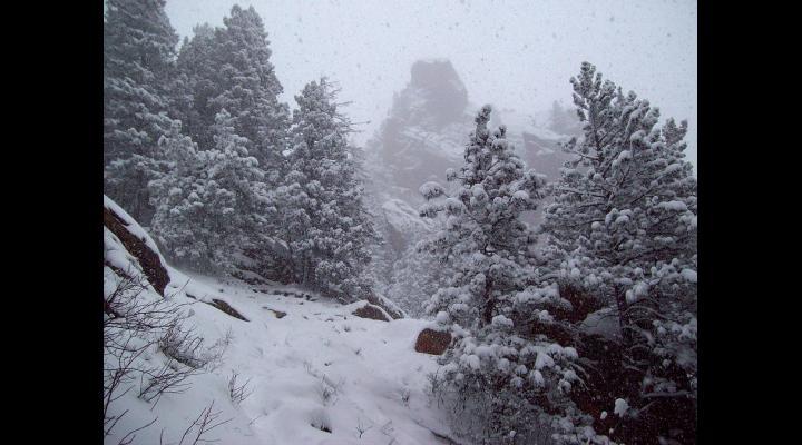 Vremea se răcește, iar la munte revin ninsorile și viscolul de săptămâna viitoare