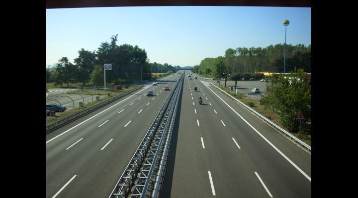 Acord de principiu pentru contractarea unui împrumut de la Banca Mondială, în vederea sprijinirii activităților preliminare construcției autostrăzii Ploiești-Brașov, proiect prioritar al Guvernului României