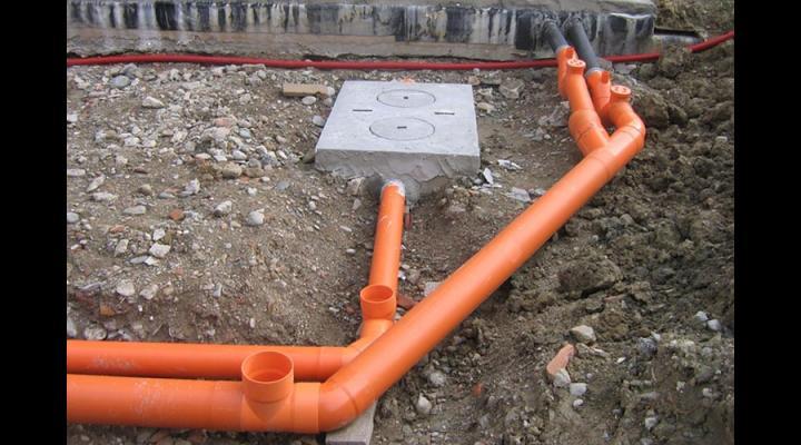În doi ani, orașul Băicoi va avea canalizare în toate cartierele