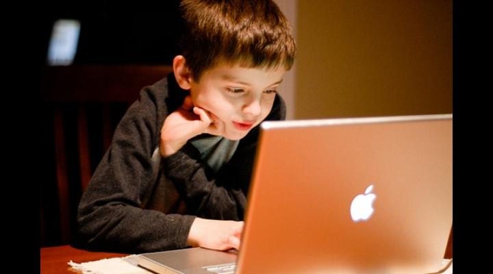Recomandări ale Poliției Române, pentru folosirea internetului în siguranță. Sfaturi pentru părinţi și copii