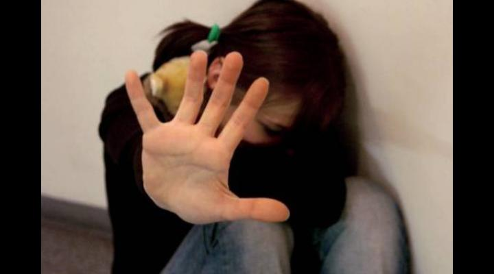 O adolescenta din Prahova a reclamat ca a fost victima unui viol