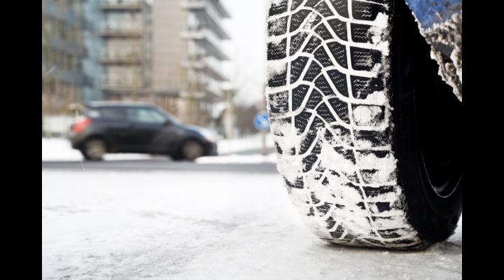 Recomandări pentru siguranța traficului rutier, în contextul condițiilor meteo anunțate