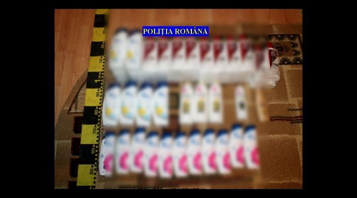 Produse cosmetice cu ... lipici. Mai multe persoane din Prahova, perchezitionate