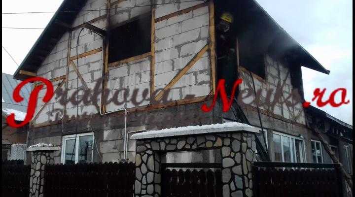 VIDEO - Un incendiu a cuprins două case la Filipeștii de Pădure