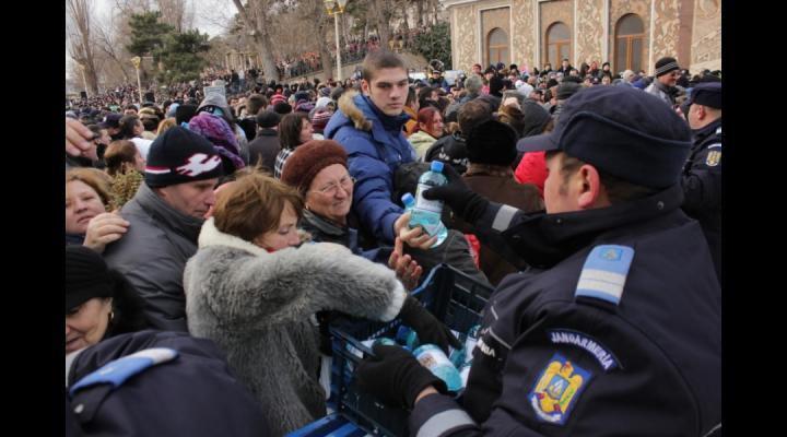 Aproximativ  60 de jandarmi vor asigura ordinea la Catedrala Sfântul Ioan din Ploiești și la Mănăstirea Ghighiu din Bărcănești, de Bobotează