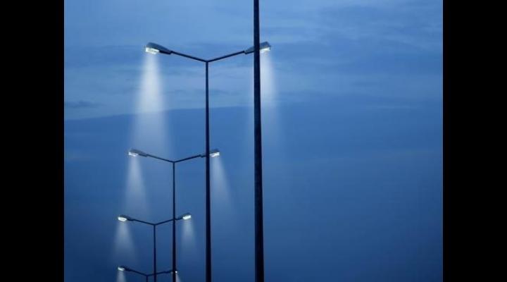 POR: Apeluri de proiecte în valoare de 96,4 milioane euro,  pentru iluminat public de calitate