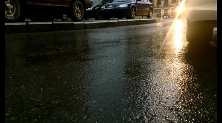 Conduceti preventiv, pe timp ploios! Sfaturi de la Politie