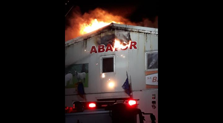 Incendiul de la abator, stins