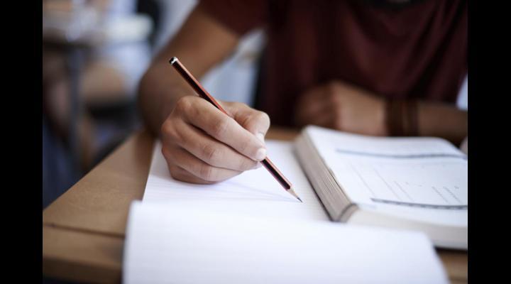 Ministerul Educației Naționale a aprobat calendarul simulării probelor scrise ale examenelor naționale din anul școlar 2017-2018