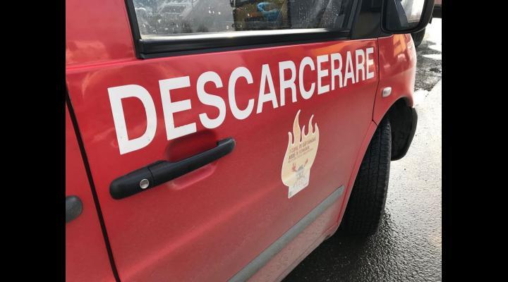Accident rutier la Barcanesti. O persoana este incarcerata
