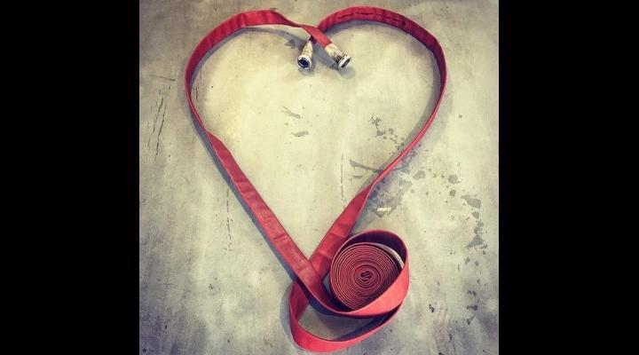 """IGSU, de Ziua Indragostitilor - """"Focul dragostei nu poate fi stins de niciun pompier!"""""""