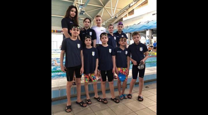 Înotătorii de la CSM Ploieşti, 17 medalii cucerite în Ungaria!