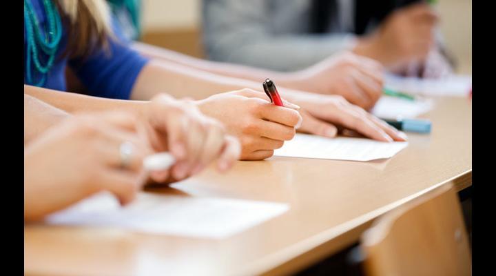 Rezultate parțiale înregistrate la simularea Evaluării Naţionale pentru elevii claselor a VIII-a (2018)