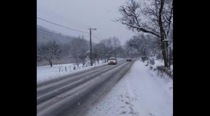 Se circula in conditii de iarna, in Prahova. Vezi unde sunt probleme