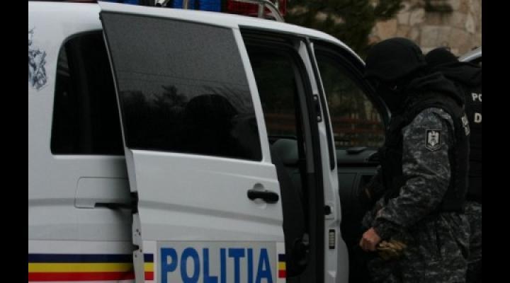Perchezitii in Prahova la persoane bănuite de furturi, o tâlhărie si înșelăciuni