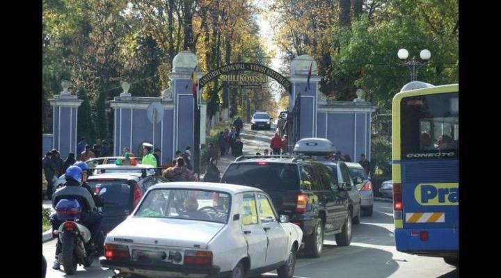 Apelul SGU: fara masini, in cimitir