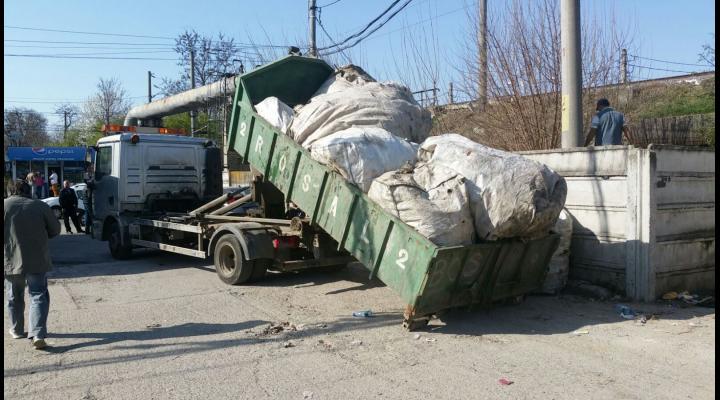 Sute de kilograme de PET-uri, confiscate de politistii locali din Ploiesti
