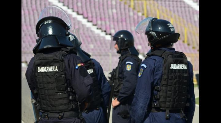 Jandarmii, pregatiri pentru buna desfășurare a partidei de fotbal dintre echipele F.C. Astra Giurgiu și C.S.U. Craiova