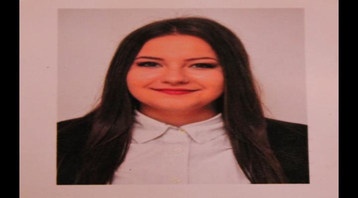 O fată de 16 ani este dată dispărută