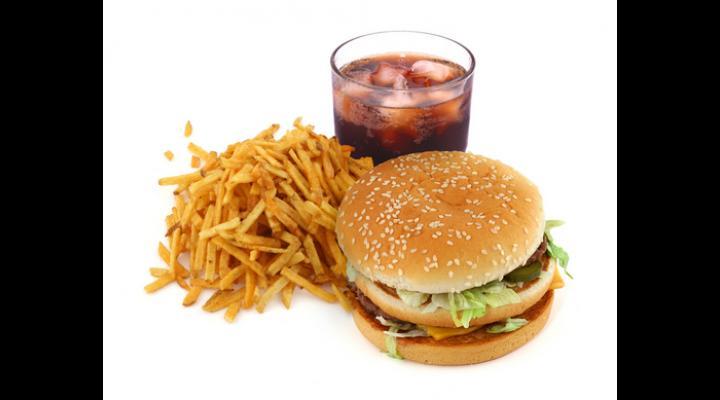 ITM Prahova a aplicat amenzi în valoare de 116.000 de lei, la angajatorii care îşi desfăşoară activitatea în domeniul alimentaţiei publice – bufet express, restaurant fast-food, pizzerie