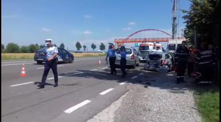 VIDEO 4 persoane ranite in urma unui accident pe DN 1