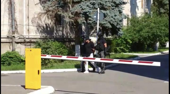 A fost arestat preventiv barbatul banuit ca ar fi folosit arma la incidentul care a avut loc langa Spitalul Judetean Ploiesti