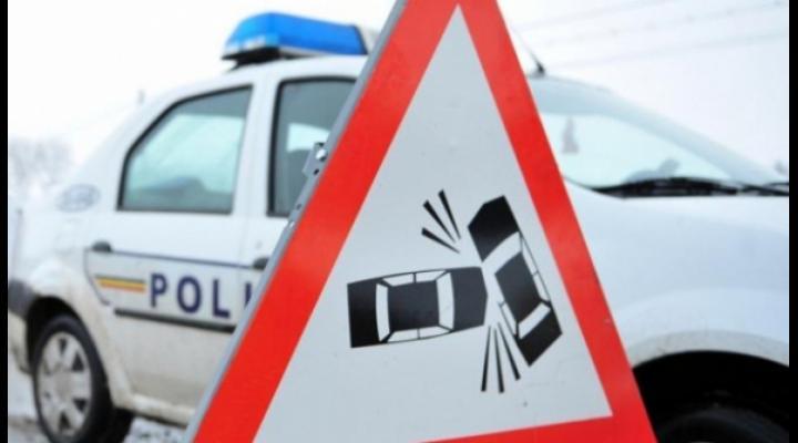Accident intre un TIR si o dubita, pe DN1, la Nistoresti
