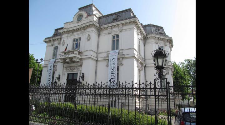 """""""Arta europeană la Ploiești"""", expozitie semnata de mai multi artisti din Spania, la Muzeul de Arta Ploiesti"""