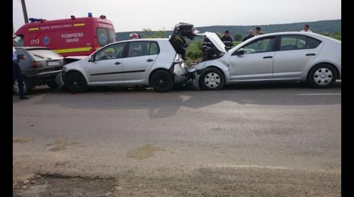 Trei masini implicate intr-un accident, pe Centura de Vest. Trei persoane au fost ranite