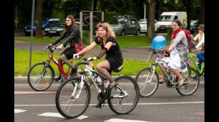 Angajatii APM Prahova vin la munca pe jos sau cu bicicletele, in Saptamana mobilitatii