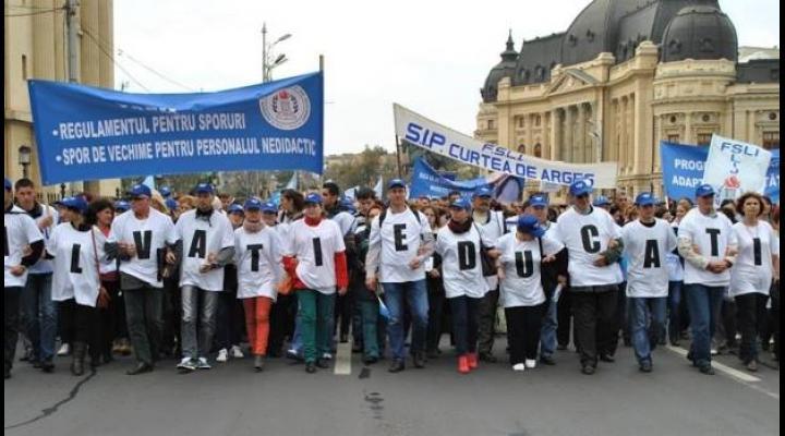 """Catalina Bozianu - deputat PMP: """"Guvernanții trebuie să asculte vocea dascălilor copiilor noștri"""""""
