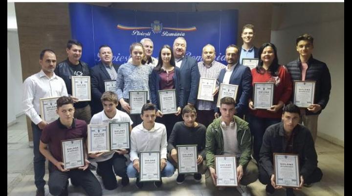 Elevii si profesorii Clubului Sportiv Școlar Ploiești premiati