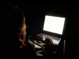 Bărbat din Șotrile, bănuit  de şantaj, act sexual cu un minor și pornografie infantilă prin sisteme informatice