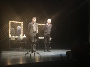 Marcel Iureș și Florin Piersic Jr., pe scena teatrului ploieștean, în ultima seară a Festivalului Toma Caragiu. Nu au lipsit artificiile - FOTO/VIDEO