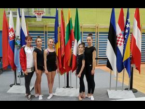 """Gimnastele de la CSM Ploieşti, 13 medalii cucerite la Turneul Internaţional """"Slovenian Challenge""""!"""
