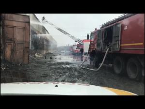 Pompierii prahoveni acționează în continuare pentru lichidarea incendiului din Mimiu, la 68 de ore de la izbucnire! - VIDEO