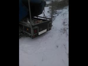 Bărbat amendat pentru aruncarea deșeurilor pe strada Sondelor din Ploiesti