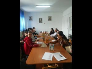 Mihai Eminescu, evocat de elevii din Baicoi