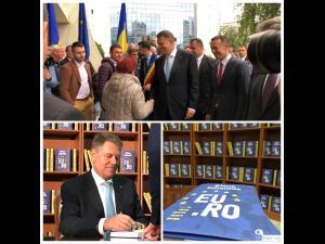 """FOTO/VIDEO: Klaus Iohannis, la Ploiești. Șeful statului s-a întâlnit cu primarii din județ și și-a lansat cartea """"EU.RO - Un dialog deschis despre Europa"""", în prezența a sute de oameni"""