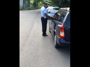 94 permise de conducere reținute, 47 certificate de înmatriculare retrase și peste 1200 de testări cu aparatul etilotest în perioada 17-23.06.2019, în urma unei acțiuni rutiere desfășurate de polițiștii prahoveni