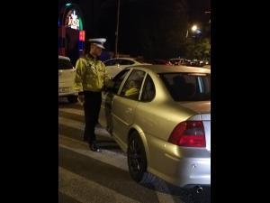 VIDEO Tânăr care consumase droguri, prins de polițiștii rutieri în cadrul unei acțiuni rutiere organizate în Ploiești