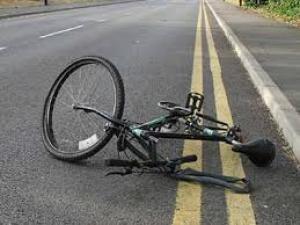 Accident rutier intre doi biciclisti de 14 ani,  la Dumbravesti. Ambii copii sunt transportati la spital