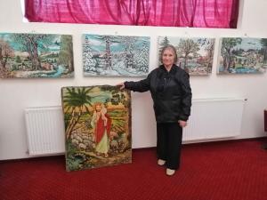Expozitie a unei artiste din Baicoi, la Casa de Cultura