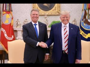 """Iulian Dumitrescu: """"Până la Klaus Iohannis, România nu a avut un președinte care să ne reprezinte cu atâta cinste, demnitate și onoare în plan extern"""""""