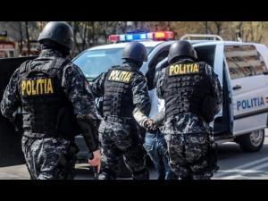 Percheziții în Bucov, Valea Călugărească și Ploiești într-un dosar de furt calificat