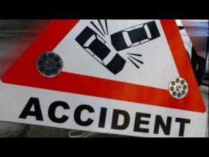 Accident în Sinaia, în zona Gura Pădurii.O mașină s-a răsturnat/Traficul este blocat