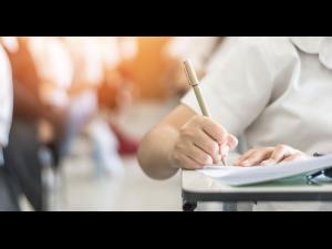 Precizările Ministerului Educației Naționale privind modalitatea de evaluare a lucrărilor candidaților la examenul național de Bacalaureat