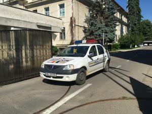 Percheziții în Urlați, la domiciliul unui bărbat bănuit de comiterea infracțiunii de  furt.
